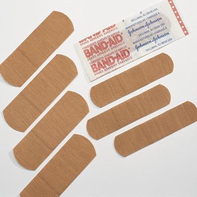 johnson johnson band aid brand 3 4 x 3 flexible fabric adhesive